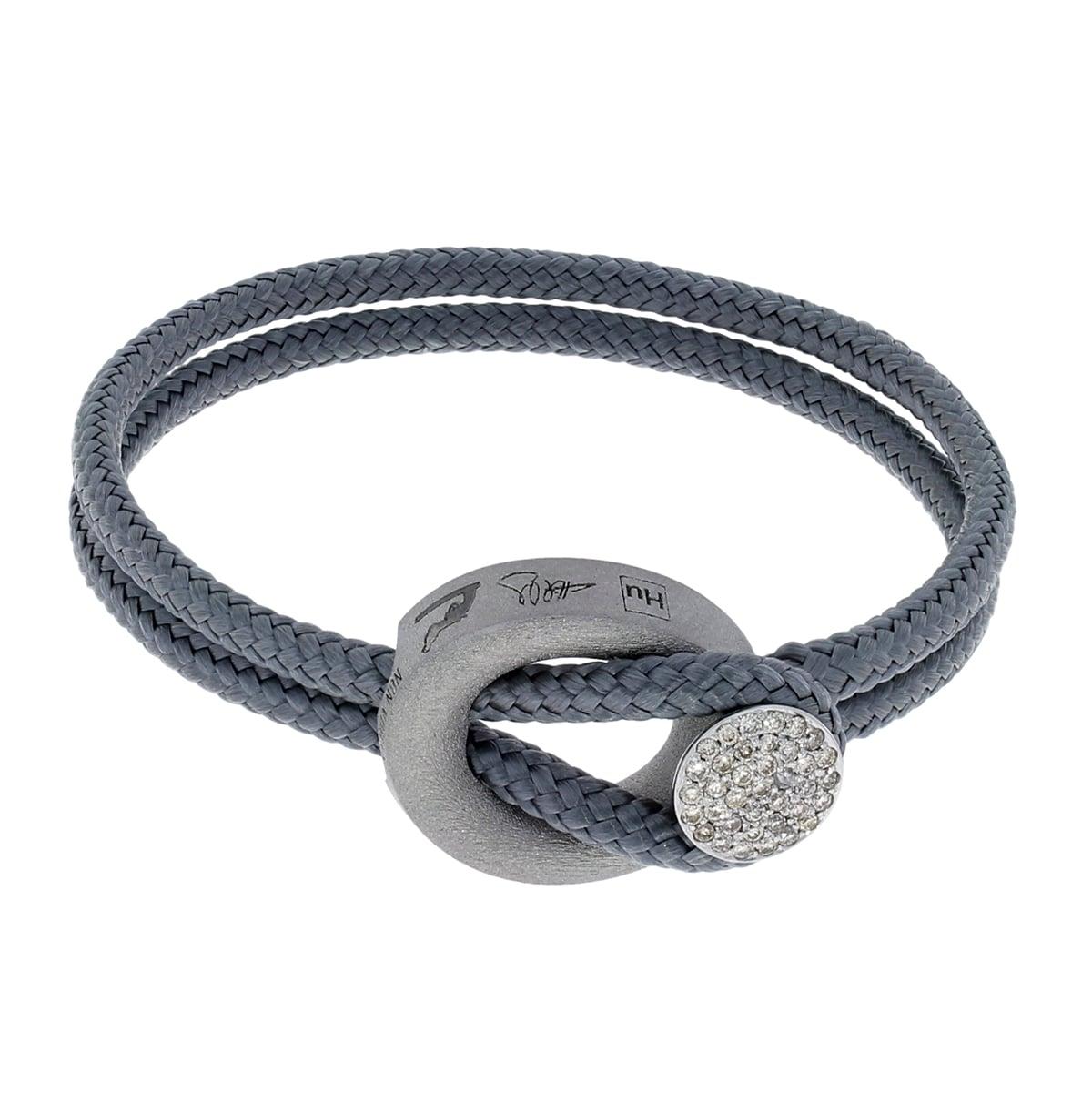 Arild_Links_armband_diamond grey_1_hos_Jarl_Sandin