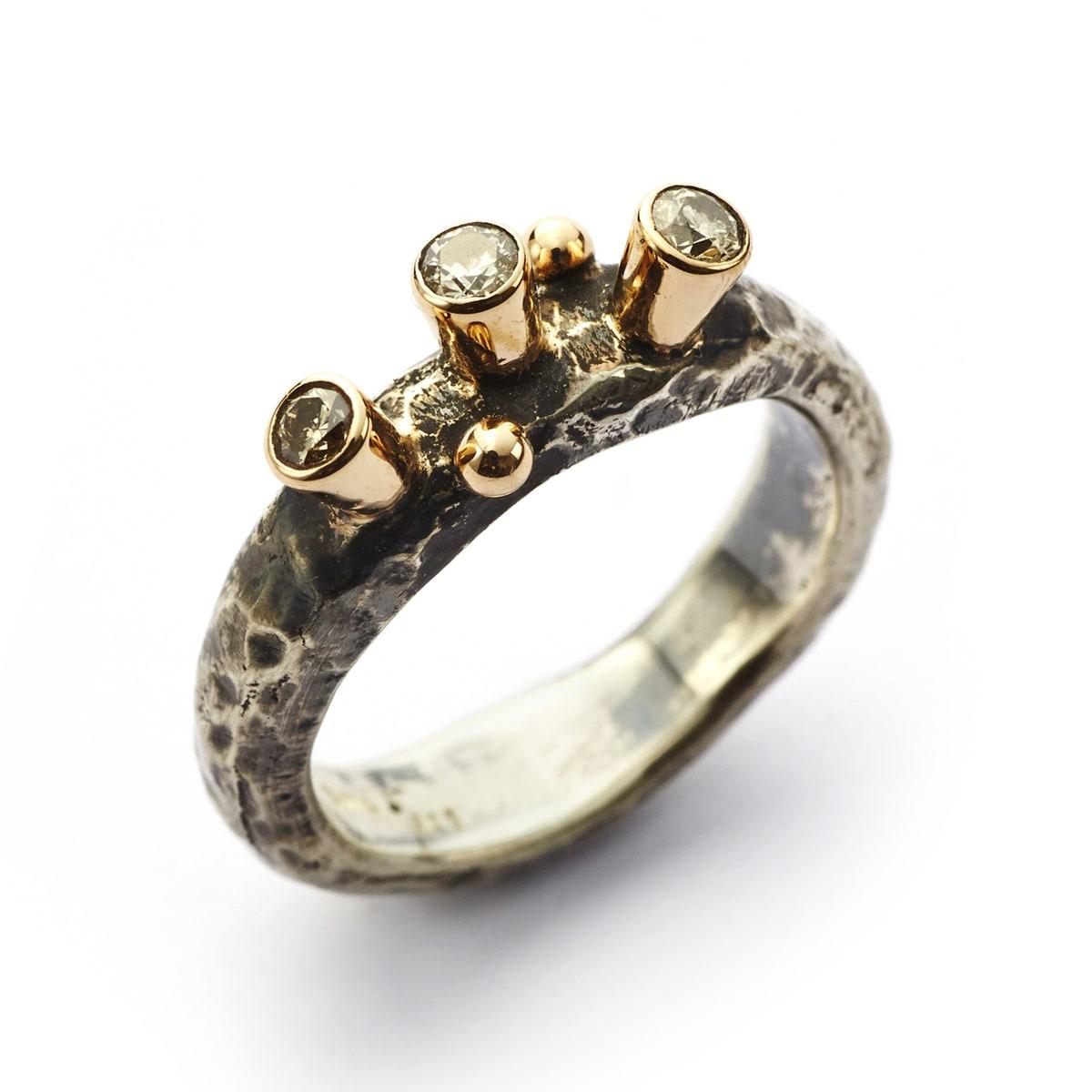 BBy_Birdie_5011100_Ring_Antique_Triple_Brill_1_Hos_Jarl_Sandin