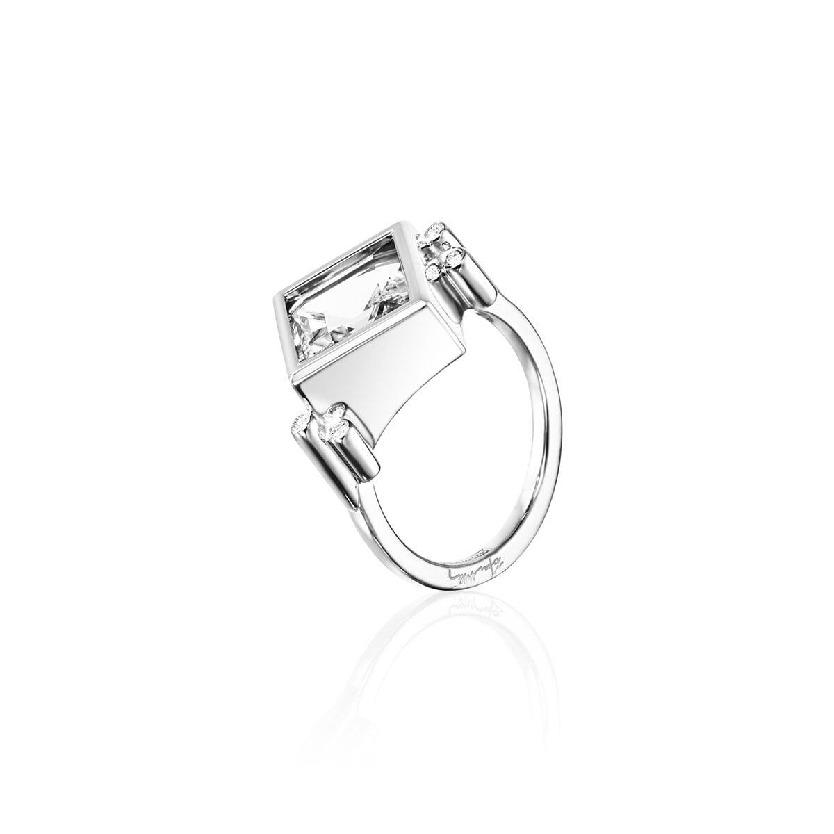 Shiny Memory Ring Crystal Quartz