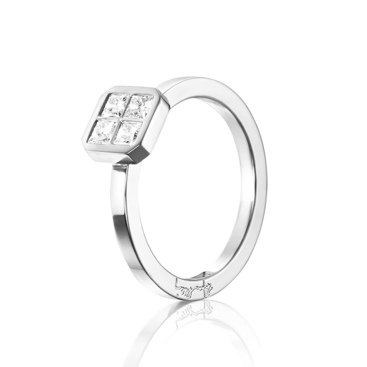 Efva_Attling_smycken_4 love Ring 0.40 ct 13-102-01554(1)_hos_Jarl_Sandin