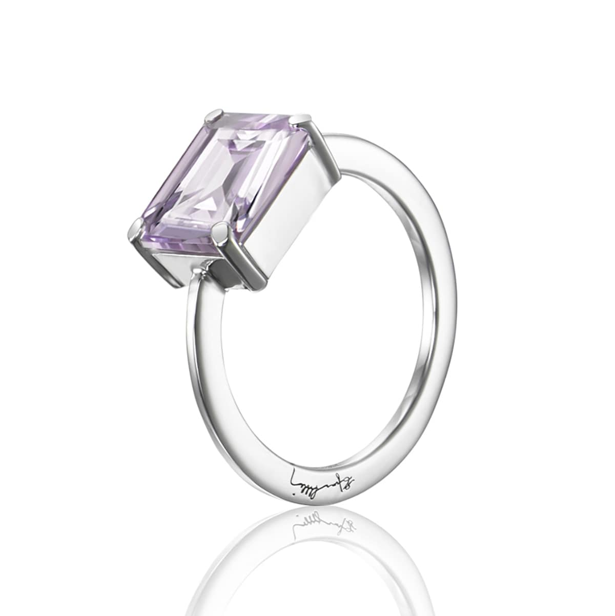Efva_Attling_smycken_A Purple Dream Ring 13-100-01511(1)_hos_Jarl_Sandin