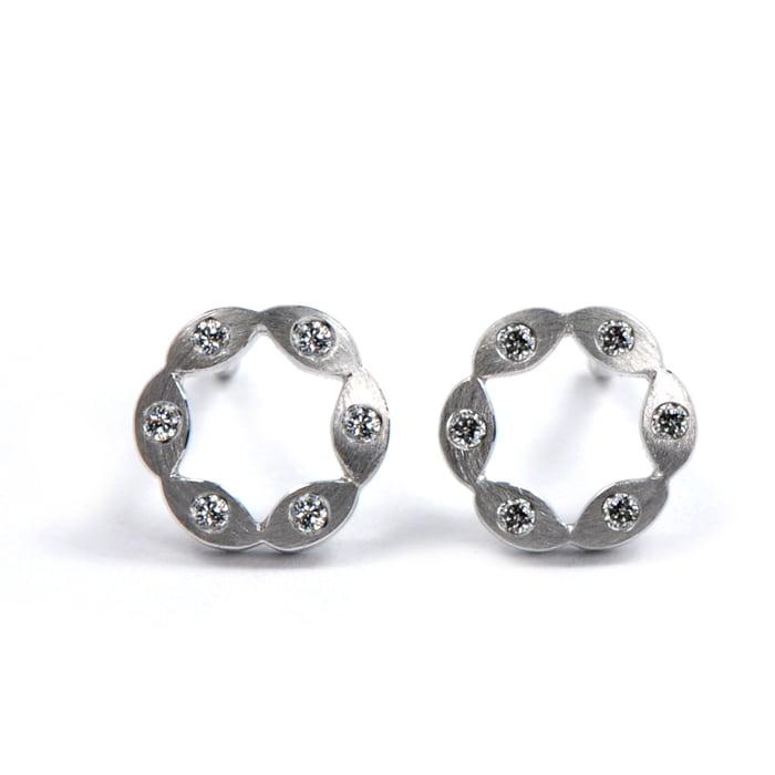 Juliet Earrings WG 6 dia